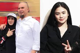 Demikian yang diungkapkan paranormal ki kisimo. Ahmad Dhani Putri Mulan Jameela Pernah Dilamar Anak Hamengkubuwono Ix Di Usia 15 Tahun Pikiran Rakyat Com