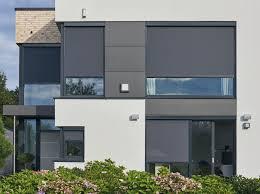 Außenliegender Sonnenschutz Mit Fenster Und Fassadenmarkisen Mhz