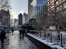 when does it start snowing in new york
