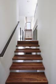 floating stair with lip in back
