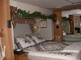 Simple To Decorate Bedroom Decorations Simple Master Bedroom Christmas Decoration Come With