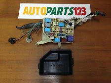 toyota yaris fuses fuse boxes 615 toyota yaris verso 2000 2005 1 4 d 4d fuse box