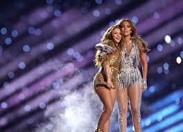 Jennifer lopez and wisin, yandel, casper magico, nio garcia, cosculluela te bote ii (2018). Shakira S Tongue Trill At Super Bowl Halftime Show Becomes A Meme In 2020 Shakira Jennifer Lopez Halftime Show