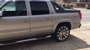 Avalanche chevy avalanche 33 inch tires : 2005 Chevy Avalanche on 24