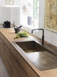 kitchen wood furniture. I Love The Sleek Look And Especially Sink Cuisine Minimaliste En Bois Et Bronze Minimalist Kitchen Wood Furniture