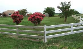Monolithic is offering unique concrete fencing that is low maintenance,  rust proof, never needs