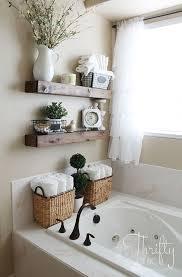 15 Incredible Small Bathroom Decorating Ideas