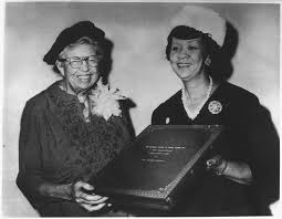 file eleanor roosevelt receiving the mary mcleod bethune human file eleanor roosevelt receiving the mary mcleod bethune human rights award from dorothy height