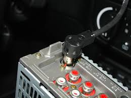 bmw e30 e36 radio head unit installation 3 series 1983 1999 the new head unit wired up figure 18 reconnect the battery and turn it on to test it figure 19 if all of the speakers radio and lights work
