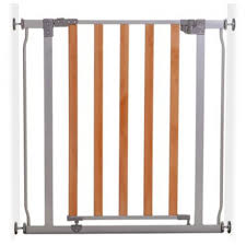 dreambaby cosmopolitan gate grey with wood