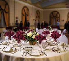 Choose The Correct Size Tablecloth For Your Table