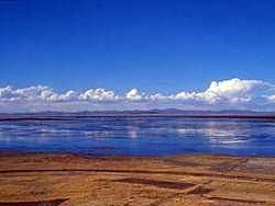 Реки и озера Казахстана  Исток реки располагается на границе восточных отрогов Южного Урала и Тургайской столовой страны Тобол судоходен на расстоянии в 437 км от устья