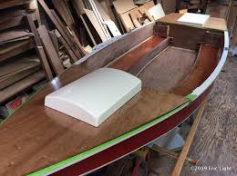 the decks were varnished on the bench and set on the boat for someplace to put them while the varnish dried