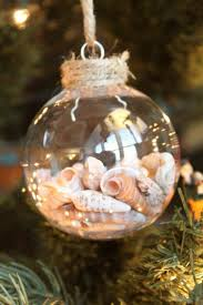 Seashell Christmas Ornament - Busy Kids Happy Mom -- LOVE this idea of a  way to treasure summer vacation memories!