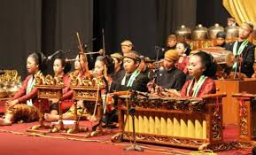 Berikut ini akan kami sajikan nama alat musik tradisional beserta gambar dan cara memainkannya dari seluruh indonesia, yang pertama adalah alat musik dari 47 Alat Musik Tradisional Indonesia Beserta Asal Dan Penjelasannya