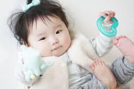 赤ちゃんの散髪時期はいつ髪型ハサミなどのコツを紹介 Canary