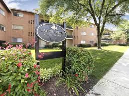laurel pines apartments photo 1