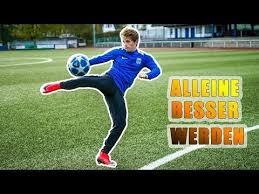 ALLEINE ein BESSERER FUSSBALLER WERDEN - Fussball Training alleine -  YouTube in 2020 | Football drills, Can you feel it, Football