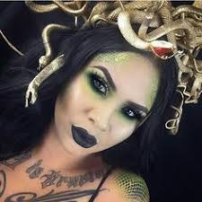 makeup on insram a stunning medusa look by makeupbygiselle