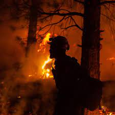 Oregon's enormous Bootleg fire expands ...