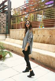 Taking outfit photos with your phone. Chelsea Boot Look Boots Outfit Ankle Black Ankle Boots Outfit Ankle Boots With Jeans