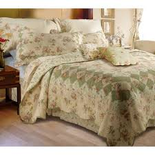 Global Trends Bloomfield Ivory Quilt Bedding Set - Walmart.com & Global Trends Bloomfield Ivory Quilt Bedding Set Adamdwight.com