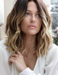 Frisuren Für Dünnes Haar Longbob Mit Stufigen Wellen účes Hair