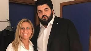 Chi è Cinzia Primatesta, moglie di Antonino Cannavacciuolo ...