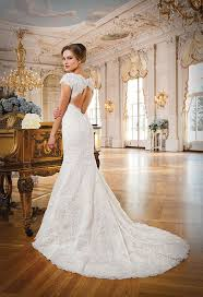 gorgeous wedding dresses with train