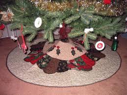Quilted Christmas Tree Skirt Kits   birthday cake Ideas & Skirt under the tree ... Beautiful Christmas . Adamdwight.com