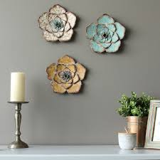 stratton home decor rustic flower wall