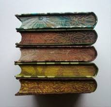 painted edge decoration on old books sadly the care and detail that went into the manufacture of old books seems to be a lost art