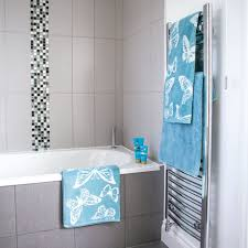 Grey Tiled Bathroom With Mosaic Details And Aqua Blue Towels - Mosaic bathrooms