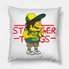 Camp Know Where 85 Stranger Things Dustin Simpson - Camp Know Where 85 -  Cuscino   TeePublic IT