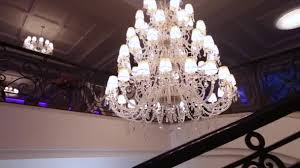 luxury large crystal chandelier hanging in the palace vintage lighting lamps with light bulbs and