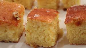 Crispy edges, sweet corn flavour and so moist you don't need butter to scoff it down (but who in their right 160 comments. Cornbread With Butter Honey And Sea Salt Recipe From Bostonchefs Com Recipes From Boston S Best Chefs And Restaurants In Boston