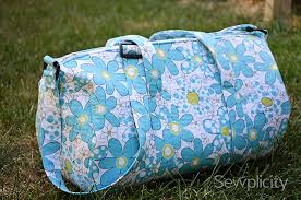 Over 200 Free Purse Sewing Patterns at AllCrafts.net & Quilted Duffle Bag Sewing Tutorial Adamdwight.com
