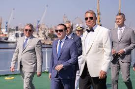 Imaginile virale ale zilei. Cum au apărut Klaus Iohannis, Florin Cîțu sau Lucian Bode la Ziua Marinei Române