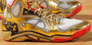 under armour shoes stephen curry gold. stephen curry goes for 38/7/8 in his gold under armour anatomix spawns (in honor of the grammys) shoes u