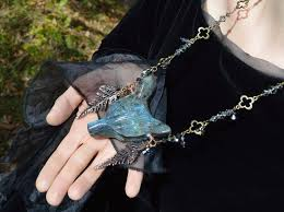 massive blue labradorite pendant wolf head on crystal chain witchy pendant elven forest labradorite necklace herisson rose