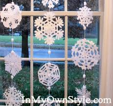 Beautiful No-Sew Snowflake Garland