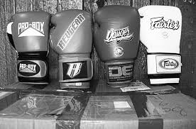 Boxing Gloves Sizing Guide
