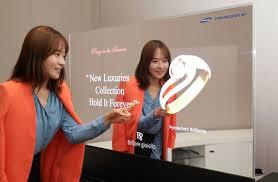 See Thru Tv Samsung Introduces Worlds First Transparent Oled Tv