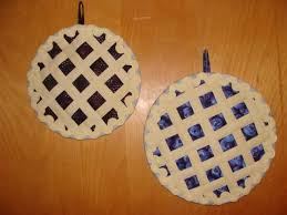 Hot Gift Idea: 5 Fun Quilted Hot Pad Patterns | Fruit pie, Pies ... & Hot Gift Idea: 5 Fun Quilted Hot Pad Patterns Adamdwight.com