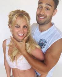 This is godney spears with her boyfriend, sam asghari, they've been a thing for a while now. Britney Spears Shares Loved Up Photos With Boyfriend Sam Asghari As She Drops New Music On Her Birthday Listen To Swimming In The Stars Now Solidrumor Com