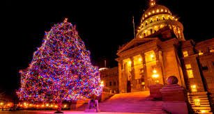 Prescott Az Christmas Tree Lighting 11 Holiday Towns And Cities For Pet Friendly Christmas Vacations
