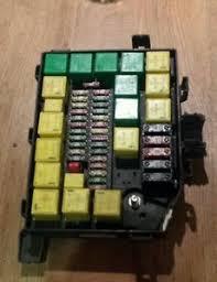 range rover p38 fusebox diesel 99 02 yqe103420 ebay p38 fuse box repair image is loading range rover p38 fusebox diesel 99 02 yqe103420