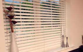 Types Of Window Blinds Blinds Curtains An Interesting Horizontal Venetian Blinds In
