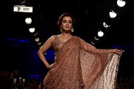 Mumbai Fashion Designers List Dia Mirza At The Lakme Fashion Week 2018 The Rahnuma Daily