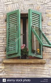 Italien Toskana Volterra Fenster Mit Halb Geöffnet Grüne